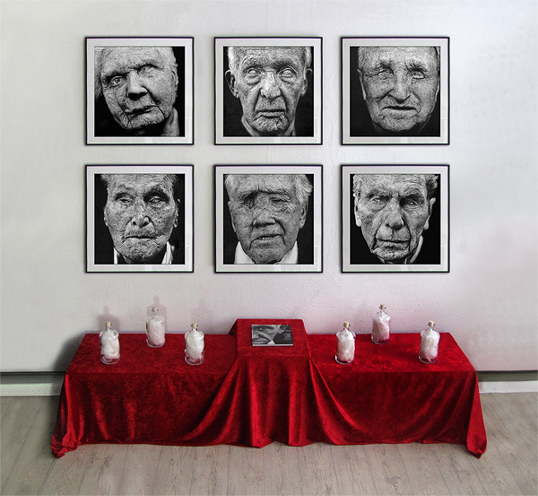 In the eyes of war - Installation - mit 6  je 70 x 70 cm großen Zeichnungen